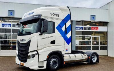 Ewals rekent en is onderweg met Iveco lowdeckers op LNG • TTM.nl