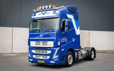 Van Veluw onderweg met eerste Volvo FH LNG • TTM.nl